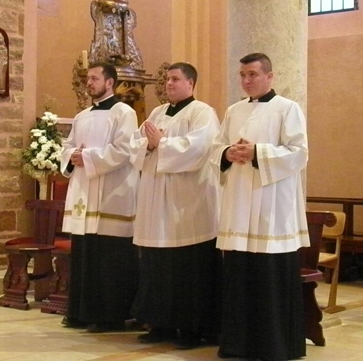 Bogoslovi kotorske biskupije primili službu čitača i kandidaturu