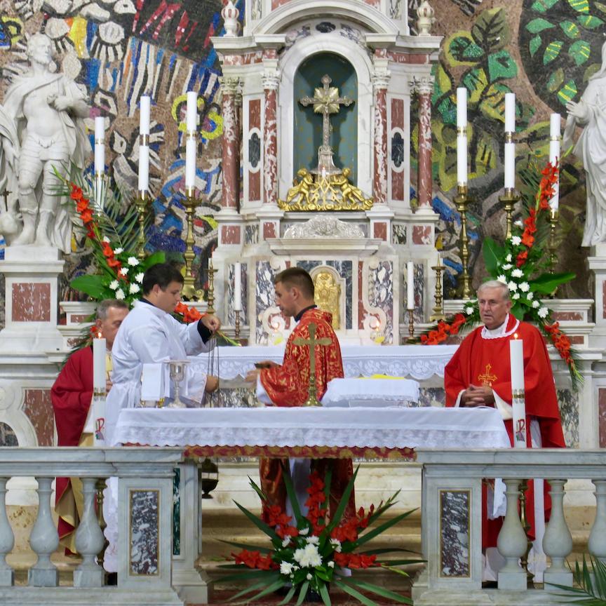 Vanjska proslava sv. Eustahija u Dobroti