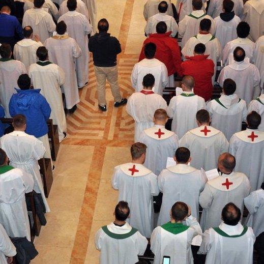 Svećenici nogometaši u Kotorskoj katedrali