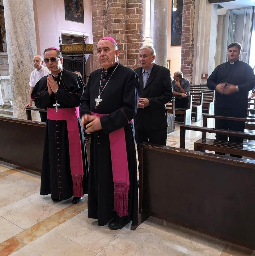 Mons. Gjonlleshaj susreo se sa svećenicima Kotorske biskupije