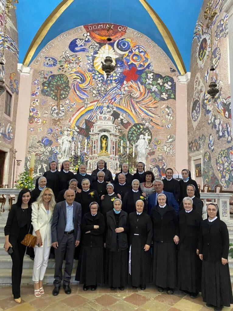 Zlatni zavjeti sestara Franjevki u Dobroti