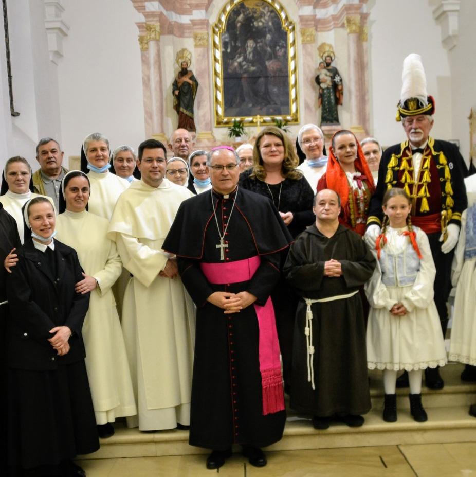 Biskup Štironja: Drage dominikanke i dominikanci, otišli ste, a bl. Ozanu ste u Kotoru ostavili samu! Vratite se!